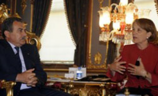 US consul general in Istanbul meets Turkish governor