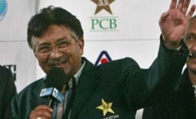 Poll shows 83 pct of Pakistanis want Musharraf out