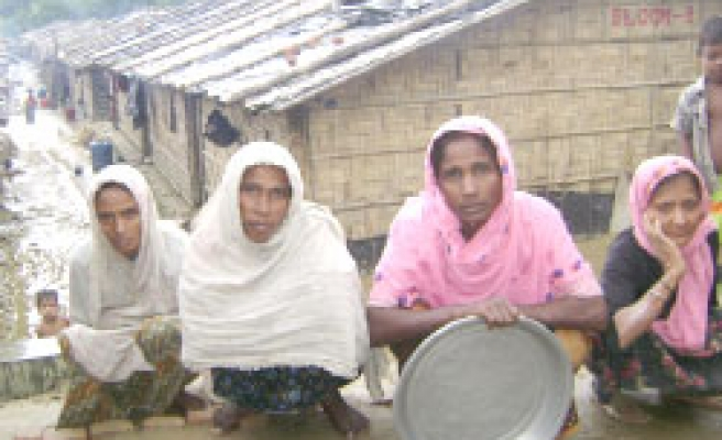 Turkey's İHH: Arakan refugees starving in Bangladesh / PHOTO