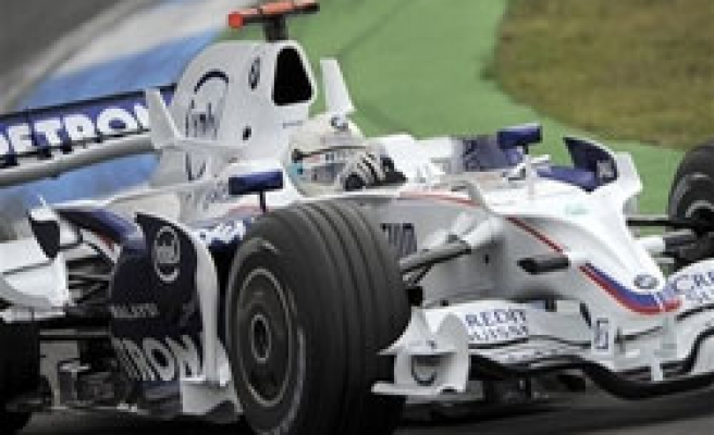 Turkish firm manifactures blankets for Formula drivers