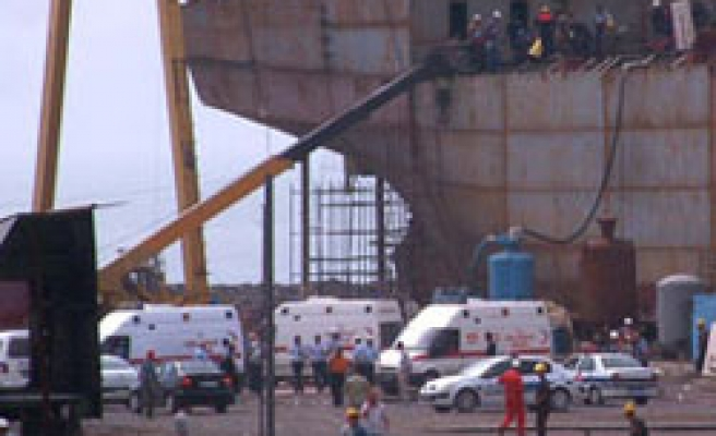 3 workers killed in Turkey's Tuzla shipyard accident