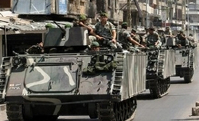 Lebanese army deploys to halt 2nd day of clashes