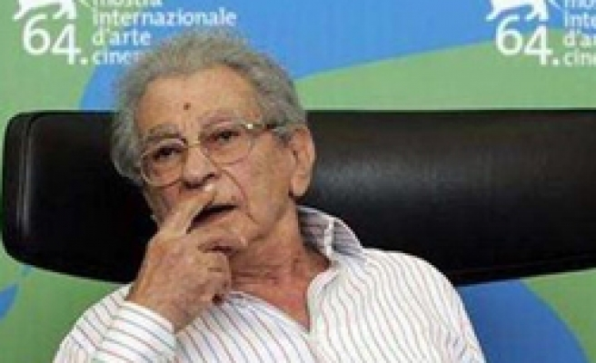 Renowned Egyptian director Chahine dies
