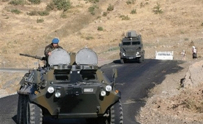 Assailants open fire on military vehicle in Turkey
