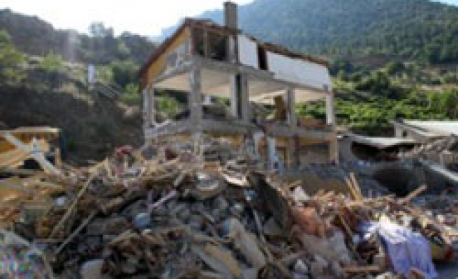 3 people detained after dormitory collapse in Turkey
