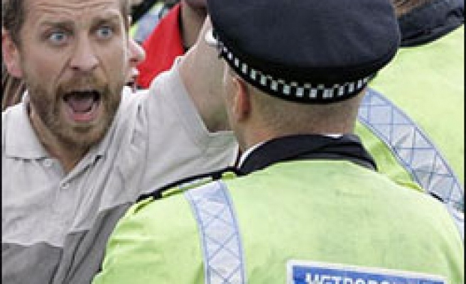 UK climate camp protesters decry police raid