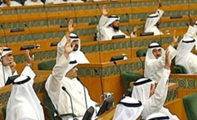 Kuwait bill to punish abuse of foreign workers