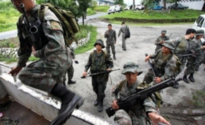 Catholics arming against Muslims in Philippine south