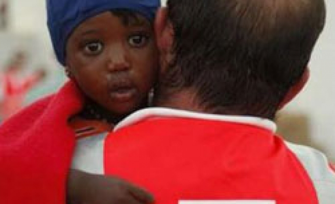 Boat with 120 migrants reported stranded off Libya
