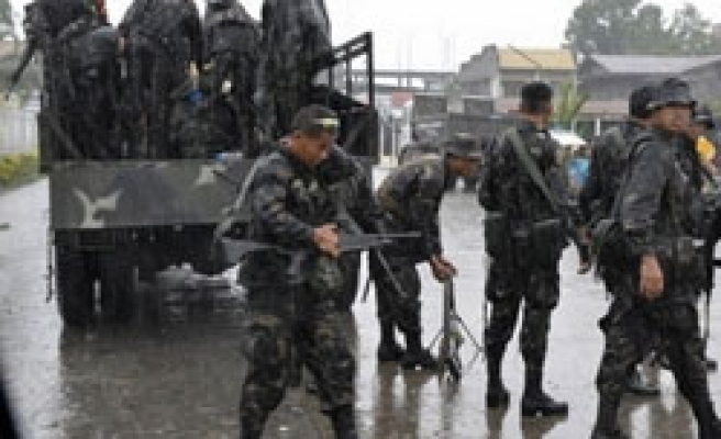 Philippine Muslims leaves conflict areas to abate clash