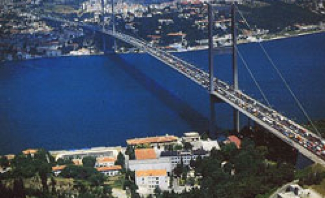 Turkey earns nearly half a billion TL from bridges and highways