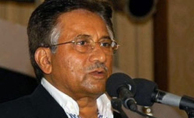 Musharraf says to return to Pakistan with new political party
