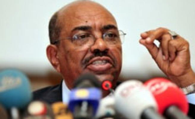 Sudan's Bashir denies genocide charges in Istanbul