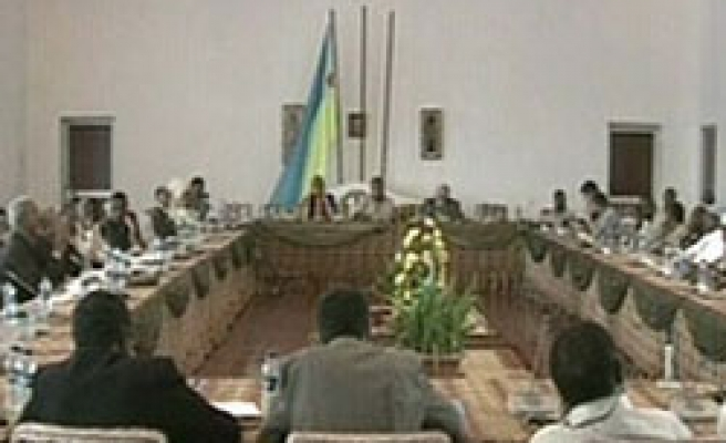 Somalia gov't, opposition sing deal after soldiers fire on civilians