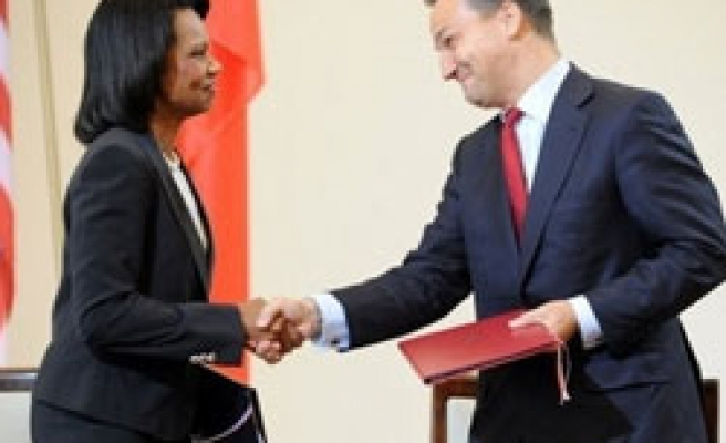 Poland, U.S. in shield deal irking Moscow