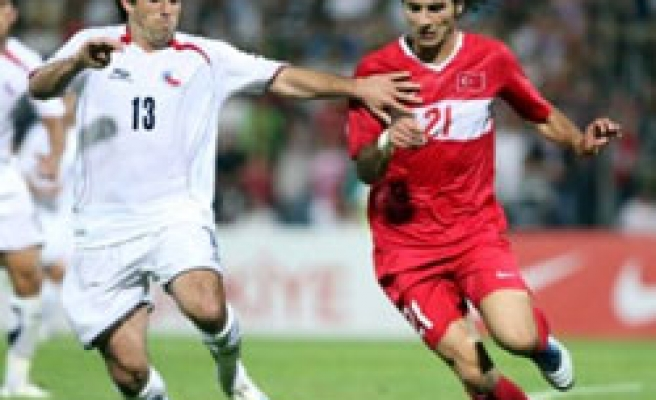 Turkey beat Chile with Altintop strike