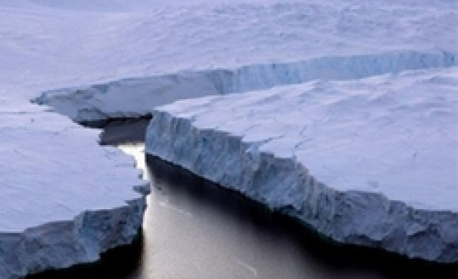 Antarctic ice shelf set to collapse due to warming