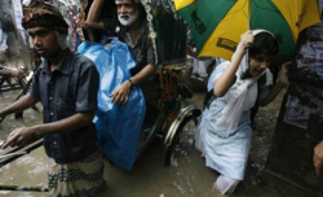 At least 20 dead as boat sinks in Bangladesh