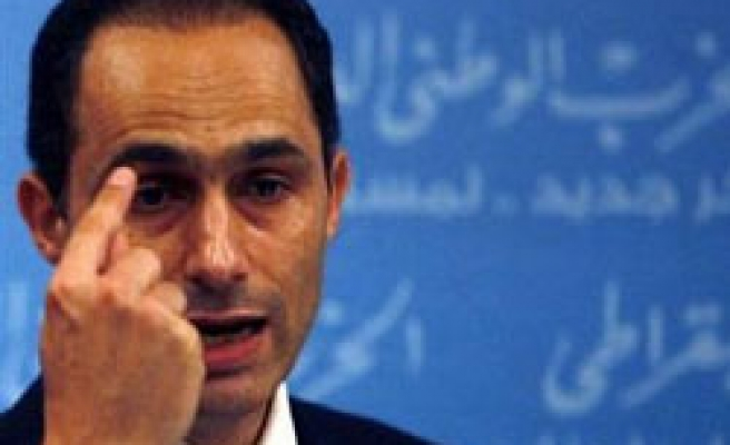 Egypt court cancels jail terms for news editors