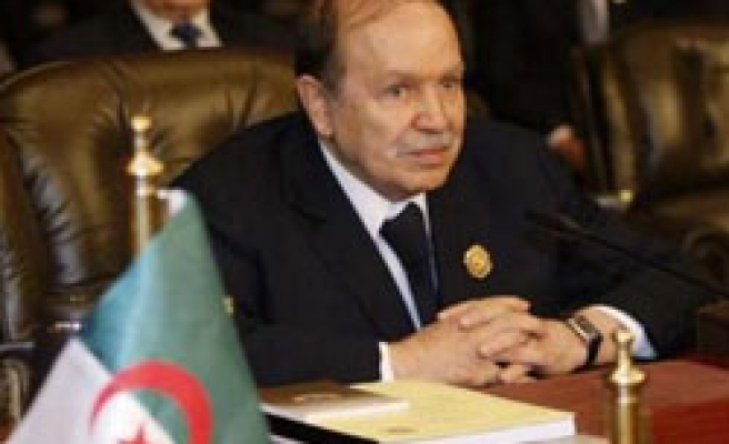 Algeria's Islamists says not to attend presidential election
