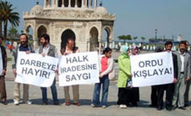 Turkish civilians condemn military declaration