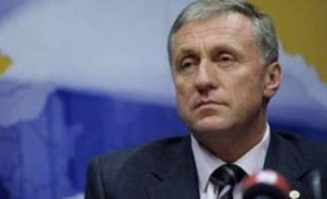 Czech cabinet reshuffle delayed, FinMin threatened