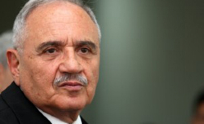 Turkish minister due to Britain for defense fair