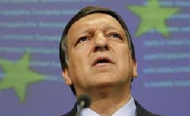 Euro zone banking union proposal seen in Sept: Barroso