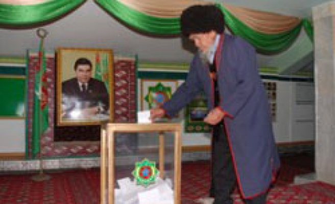 Turkmens to vote in 2nd round of parliamentary poll
