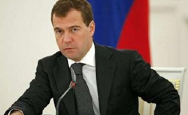 Russia's Medvedev says govt drags feet over crisis