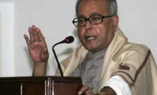 India FM says gave Pakistan 'specific' evidence