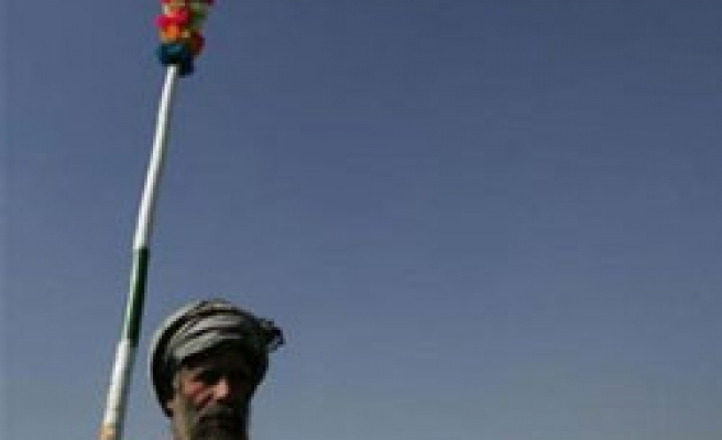NATO's Iraq-style strategy, 'using locals against insurgents'