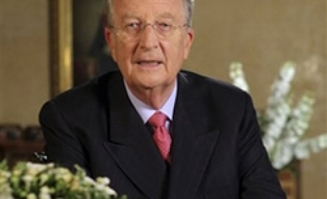 Belgium king brings in former PM to resolve crisis