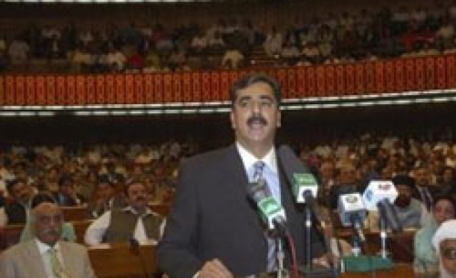 Pakistani parl't urges India to join efforts against tension