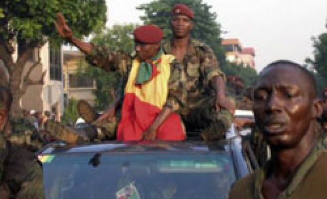 Guinea coup chief installs governors