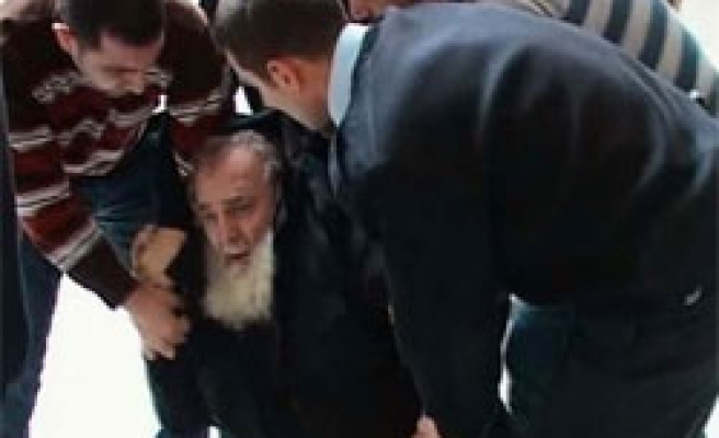 Chechen refugee detained in Turkish airport