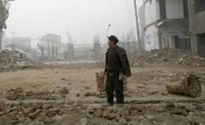 Thousands evacuated after quakes hit SW China