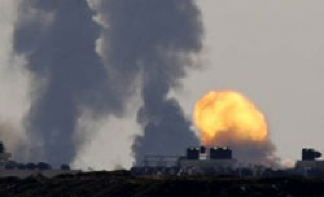 Israel bombs Gaza mosque, causing casualties