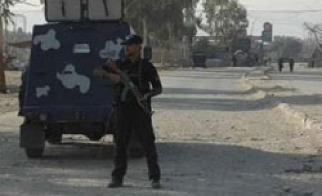 Pakistan attacks fighters in US supply link Khyber
