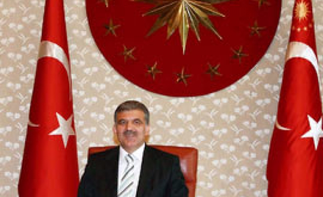 Turkish presidents supports new civil contitution