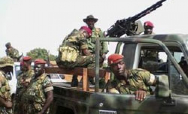 Guinea presidency guards shot at army chief