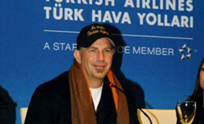 US actor Costner in Turkey for THY's commercial