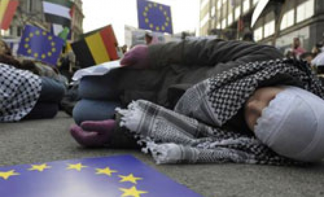 Tens of thousands in Europe: 'We are all Palestinians'