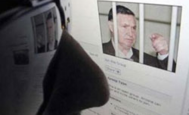 Pro-mafia Facebook pages cause alarm in Italy