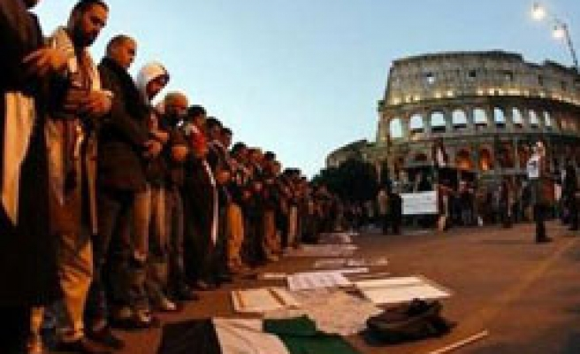 European protests call 'Life, land, liberty for Palestinians'