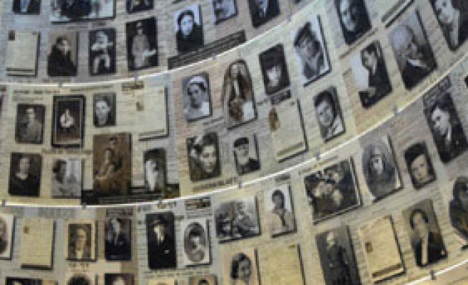 Iranian Holocaust book to be issued in English