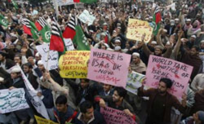 Tens of thousands of Pakistanis protest against Israeli killings in Gaza