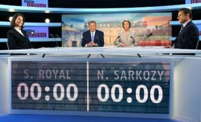 France's presidential candidates debate on TV