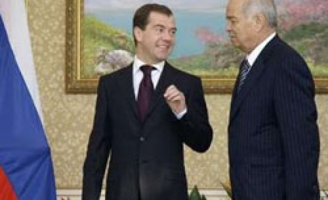 Uzbek leader says to support new trans-Russian gas pipeline