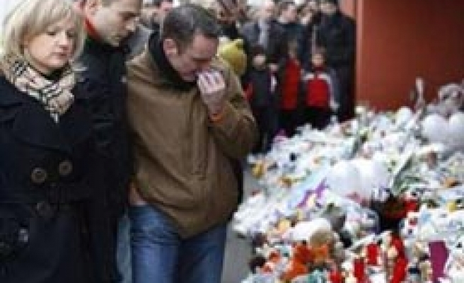 Thousands pay tribute to Belgian creche victims